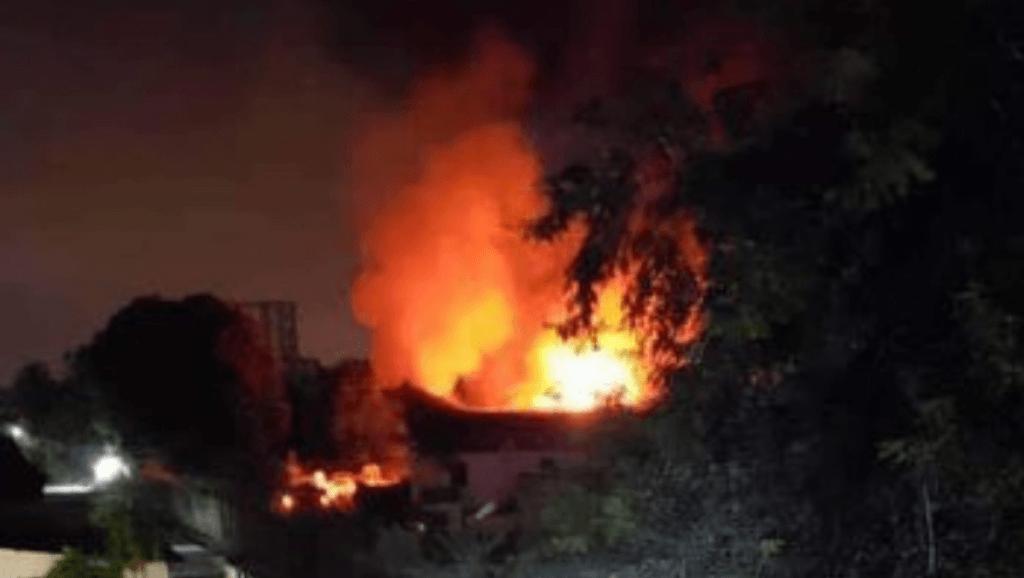 Kinshasa : Un incendie intelligent qui calcine tous les matériels électoraux sans toucher au corps de garde