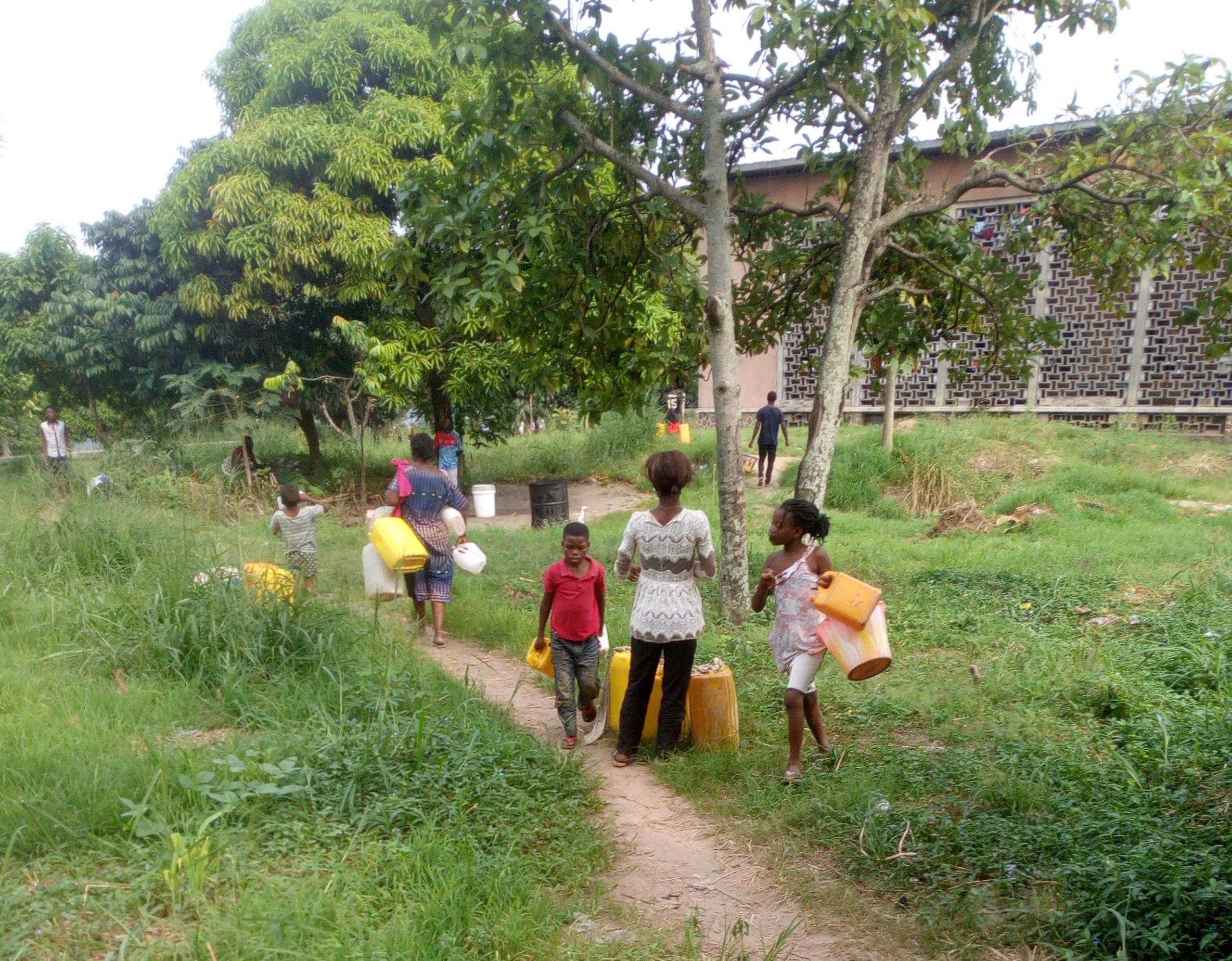 Kinshasa : À Kindele, la pénurie d'eau réjouit certains habitants