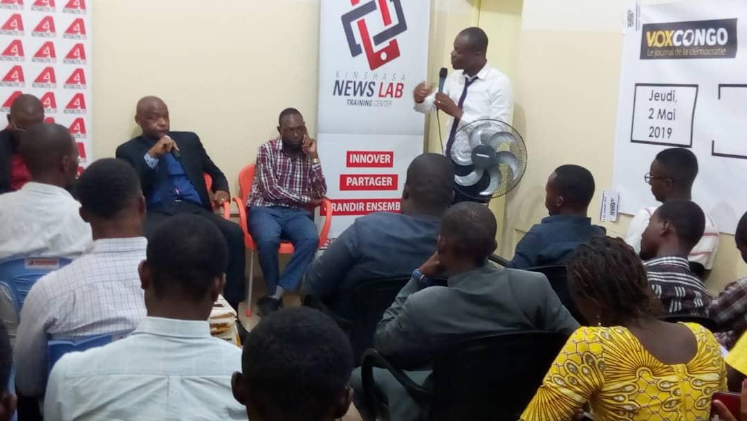 Kinshasa : Internews sensibilise les journalistes à éviter la désinformation