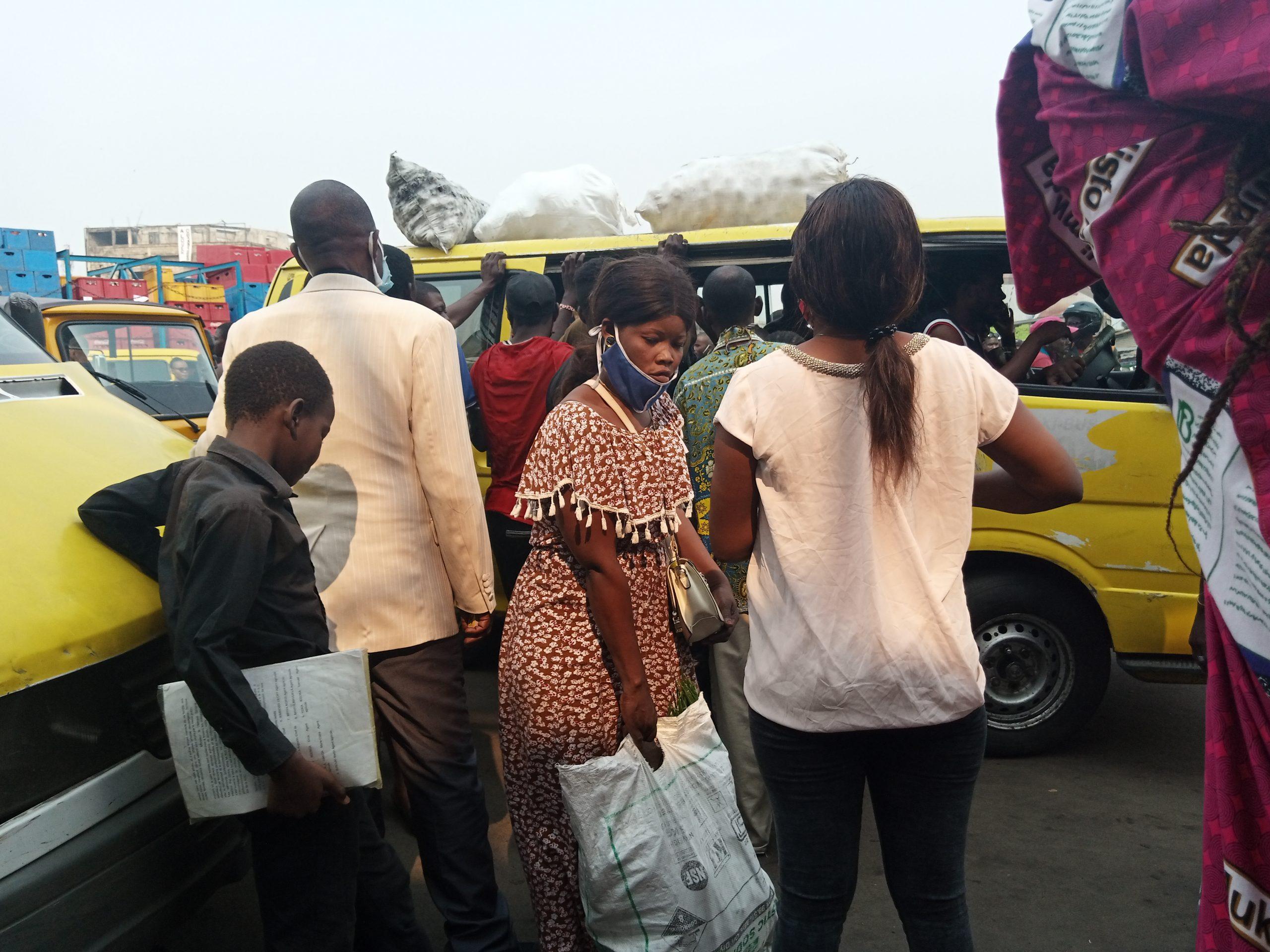 Kinshasa : levée de l'Etat d'urgence, les gestes barrières bafouées
