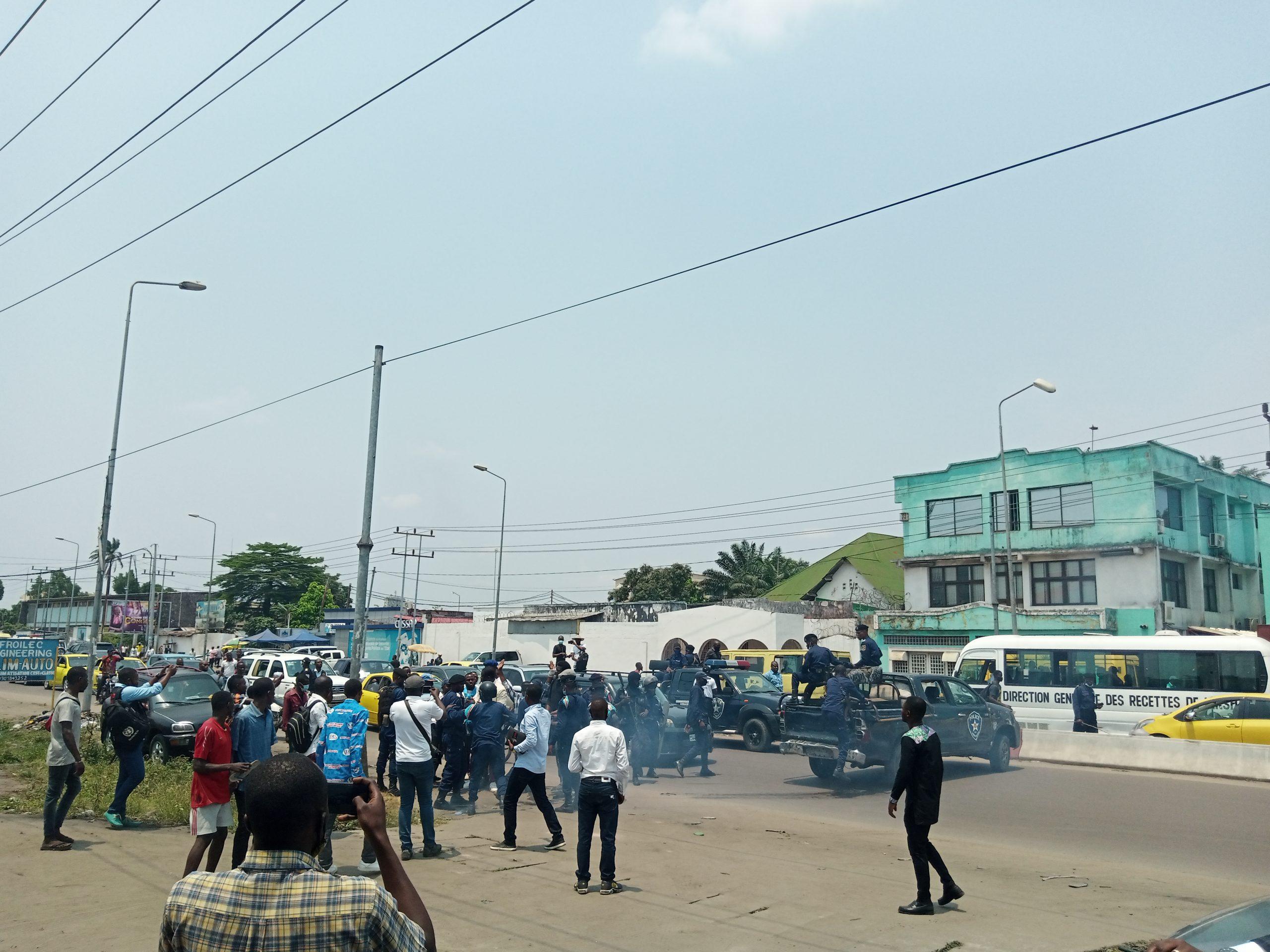 Marche anti-Karega : Après plusieurs tentatives d'empêchement, les mouvements citoyens déposent leur mémo